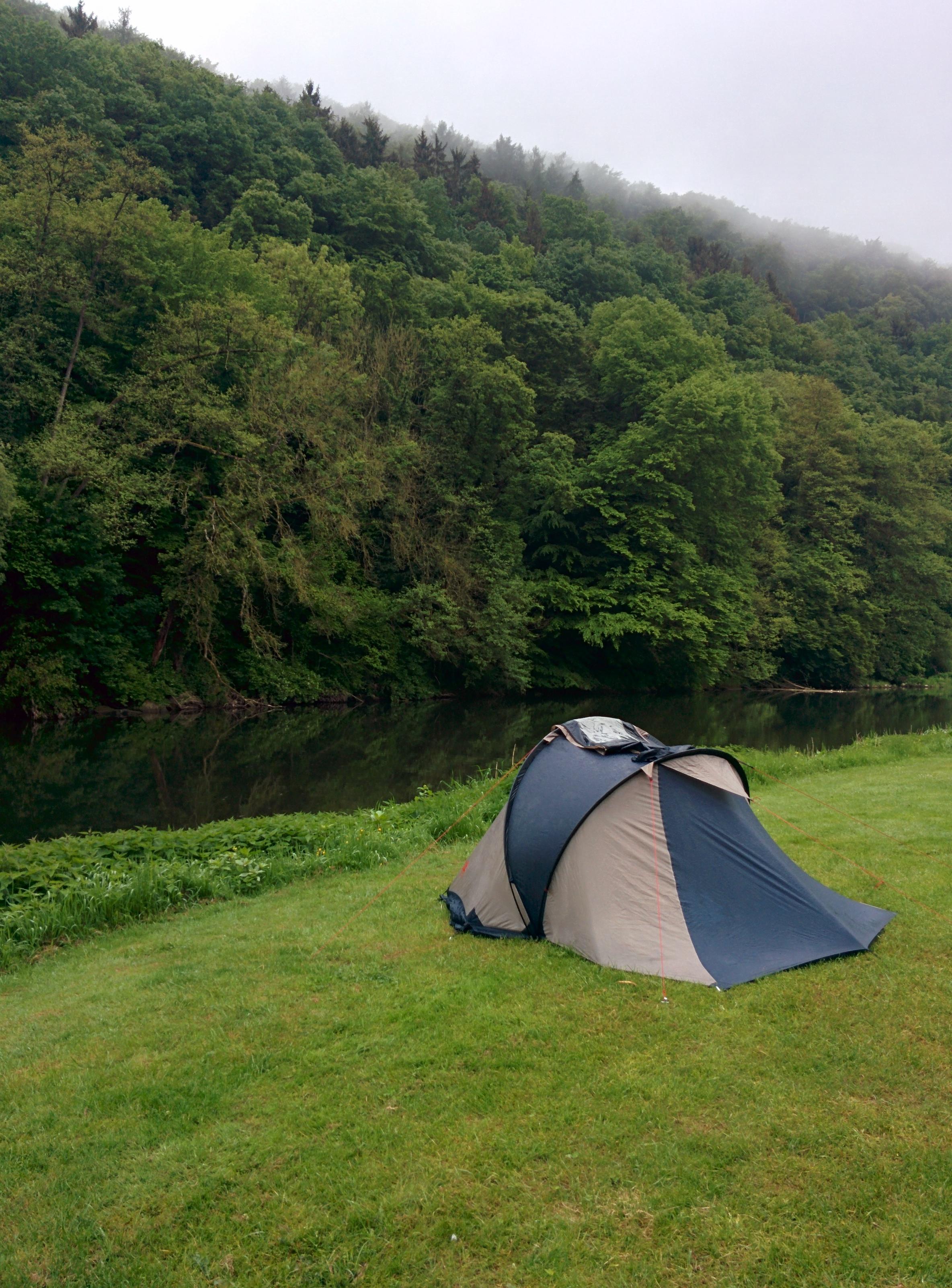 Camping Born